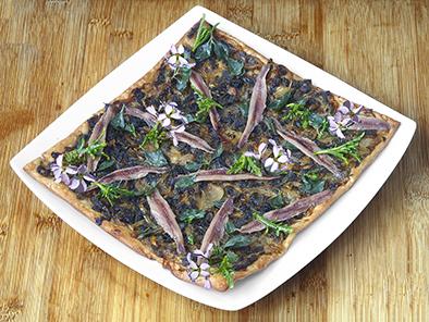 Pissaladière de cakilé et atriplex aux anchois
